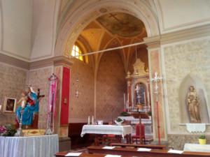 Chiesa di Tausia vista dall'entrata