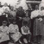 """La maestra De Marchi assieme ad alcuni parenti e la mamma """"Lene de Minete"""""""
