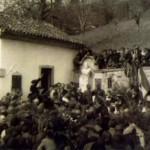 Cerimonia di deposizione della salma nel cimitero