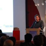 Alessandro Mistichelli spiega al pubblico l'interessante iniziativa dedicata alle sceneggiature in concorso.