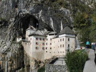 Il pittoresco e singolare Castello di Predjama
